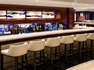 azamara_living_room_bar_1